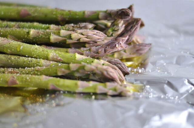 how to cook fresh asparagus on the grill in foil